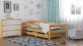 Łóżko z litego drewna
