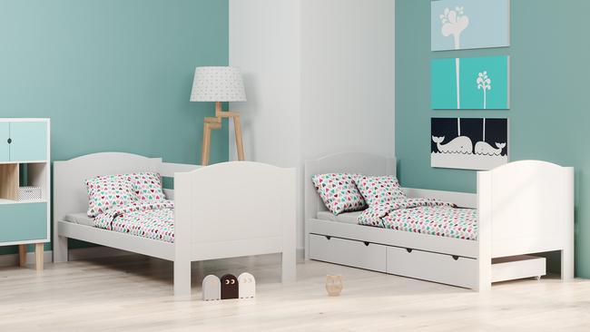 Białe łóżko piętrowe z możliwością rozdzielenia na dwa
