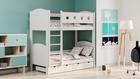 Białe łóżko piętrowe
